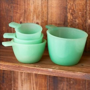 NWT! Vintage Style Green Glass Measuring Cups Set